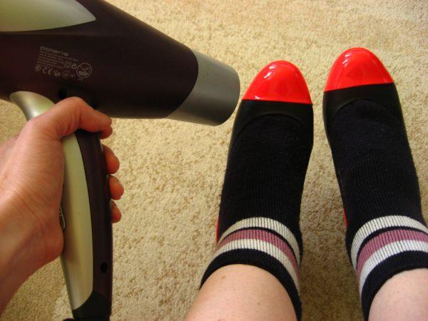 Як розносити нові туфлі в домашніх умовах  28147c00983c3