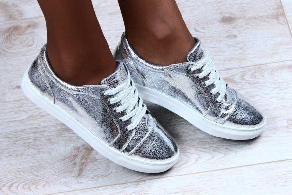 Як зменшити розмір взуття в домашніх умовах  f8c77b87a1fed