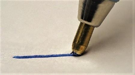 Как удалить пятно от пасты ручки фото