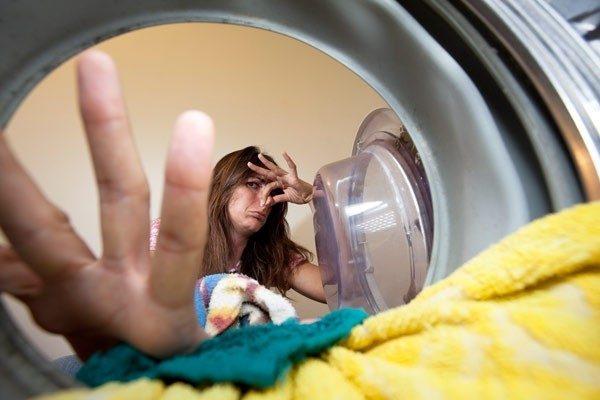 Як позбутися від неприємного запаху в пральній машині автомат  прибираємо  запахи цвілі 55fe6e8624ddd