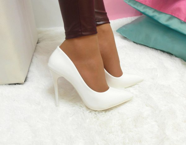Як почистити білу взуття в домашніх умовах з натуральної 2da921354f645