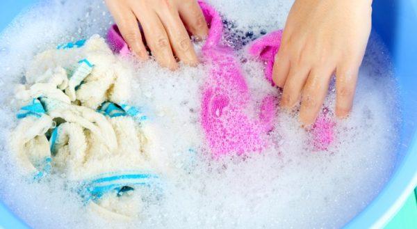 Як прати вручну  5 правил легкої та ефективної прання  96a2aefdaa148