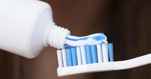Як почистити білу взуття в домашніх умовах з натуральної 8e1da40349cce