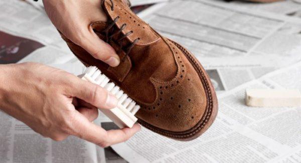 Стираємо замшеве взуття в пральній машині або ручним методом  Правила 7022d991ad108