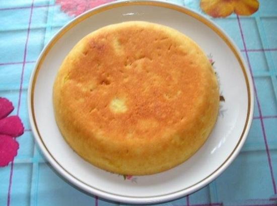 Шарлотка апельсиновая с апельсинами изюмом в мультиварке рецепт, пирог бисквит с апельсинами в мультиварке.