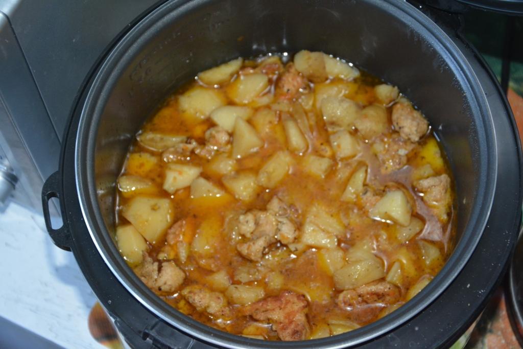 рецепт в мультиварке тушеной картошки с курицей