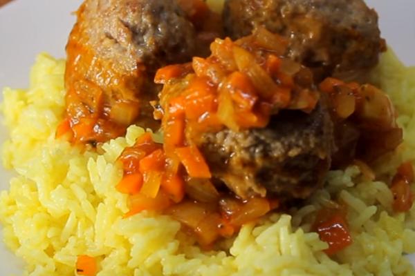 Как сделать фрикадельки с рисом и подливкой