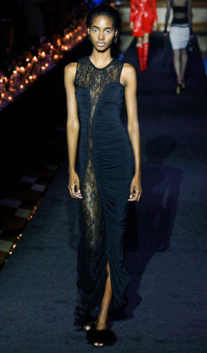 ... Чорне мереживне плаття. 100+ фото шикарних новинок та фасонів ... fa0d553275cea