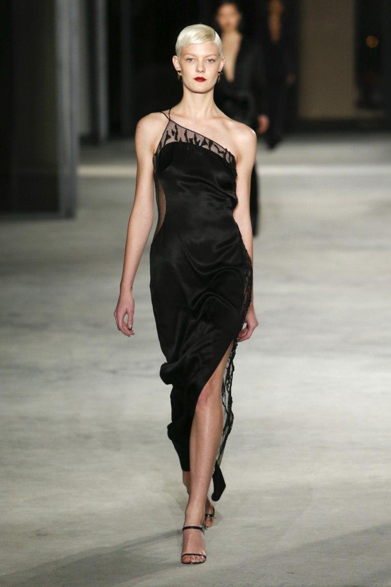 Чорне мереживне плаття. 100+ фото шикарних новинок та фасонів ... 031dccd0ecf94