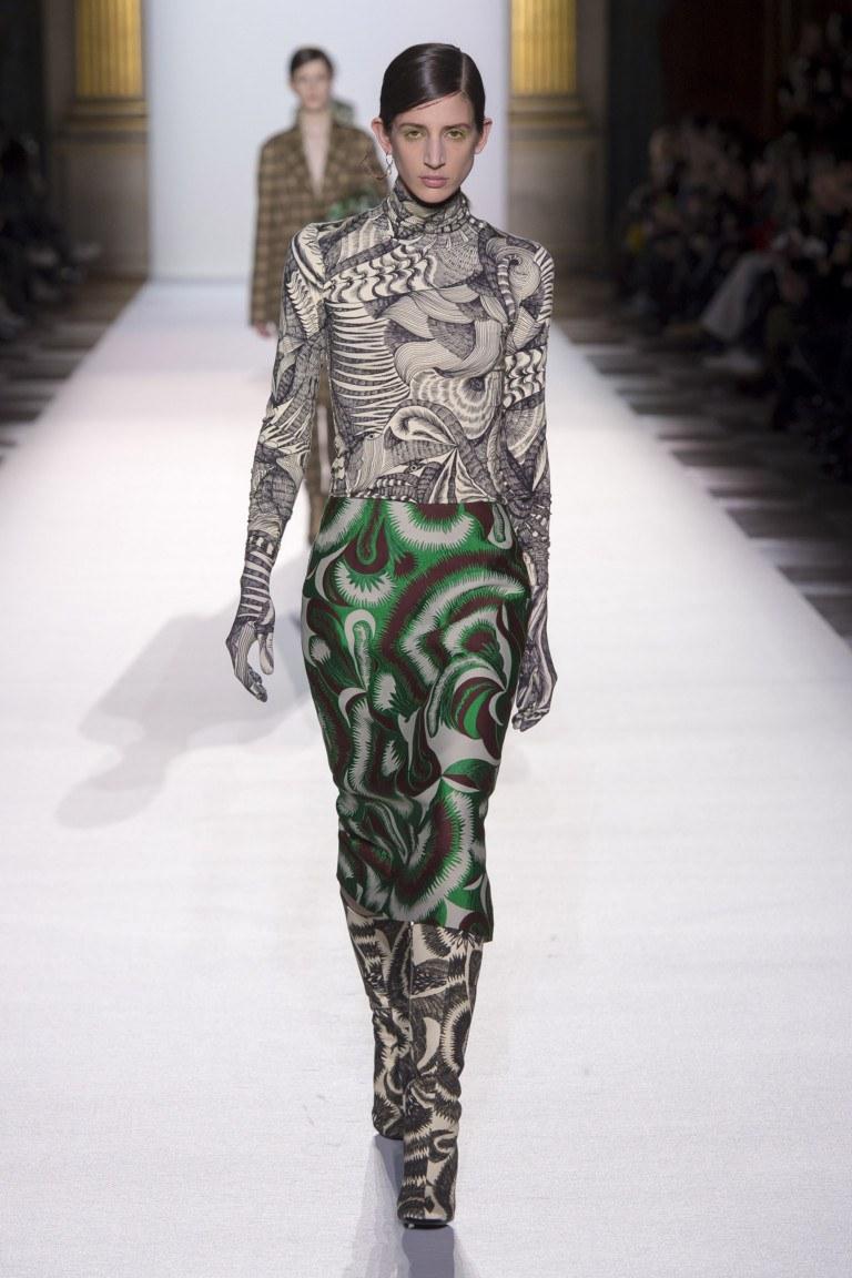 З чим носити водолазку  100+ модних ідей і новинок на фото ... 3b9f714ee936b