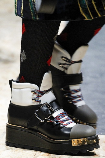 ... Модна жіноче взуття на зиму 2018 2019 роках  фото і стильні тенденції 53ec6b2e57c59