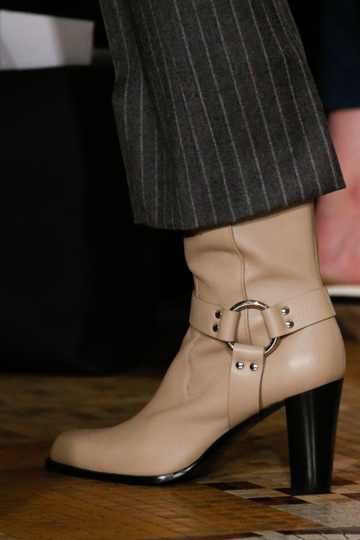 ... Модна жіноче взуття  100+ фото новинок сезону Осінь Зима 2019 ... bf2cf1cfb4848