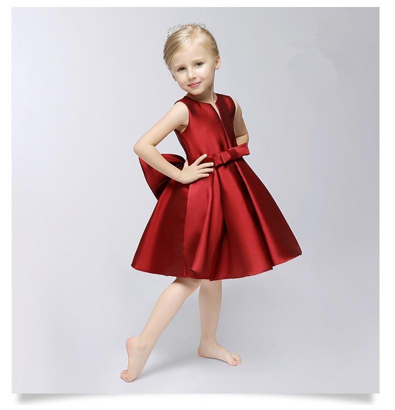 Червоне плаття для дівчинки  100+ фото красивих фасонів і моделей ... b0714d4b8560a