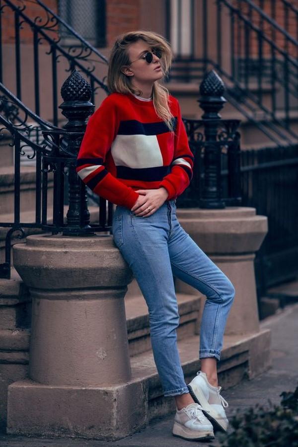 З чим носити джинси в сезоні 2019 2020 модні ідеї образів з джинсами фото  ... 713ca04466fa3