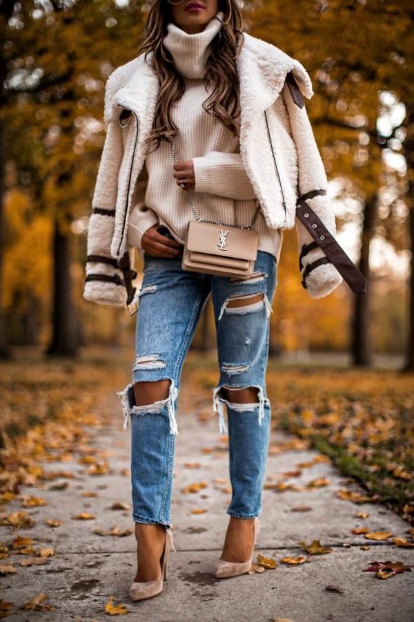 З чим носити джинси в сезоні 2019 2020 модні ідеї образів з джинсами фото c0c3dea9ff726