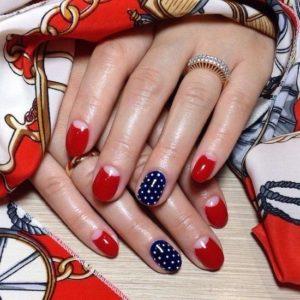 Червоно-синій манікюр: дизайн, фото | Мода
